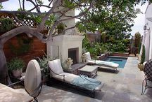 Patios & Courtyards / by Christine Hyder