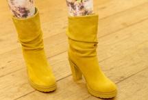 Shoes @ Seasons  / Seasons Mode verkoopt naast mooie kleding ook schoenen. Van pumps tot enkellaarsjes tot open schoenen met sleehak. Neem een kijkje, wordt nieuwsgierig en kom eens een keer mooie schoenen passen.