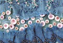 vyšívaný textil