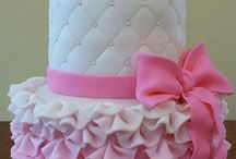 CAKES / The beauty in the art of decorating cake. / by grace depaolo
