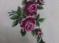 Υπέροχα σχέδια με κεκτημένα τριαντάφυλλα