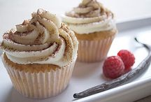 Cupcakes & Cakes / by Maria
