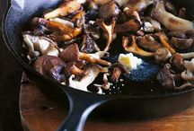 Mushrooms / by Dani Ciupe