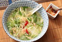 Easy Soups / Dozens of easy soup recipes