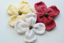 Virágok, díszek