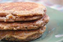 Breakfast life 🍳🍞🍶 / Breakfast foods / by Chrissy Brausch