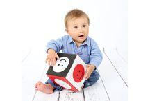 Stymulowanie wzroku dziecka / Świat widziany oczami maluszka różni się od perspektywy dorosłego. Zachęcamy do stymulowania wzroku dziecka już od pierwszych miesięcy życia dzięki kontrastowym pomocom i kartom.