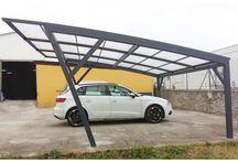 Carport / Le Carport est un abri extérieur pour tous types de véhicules : voiture, moto, vélo, tondeuse... Sa structure en aluminium assurera la protection de vos biens durablement.