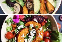 Kürbis: Buddha Bowls, Salad Bowls & mehr / Im Herbst gibt es nichts besseres als Kürbis-Gerichte in allen Variationen.  Tolle Rezepte für Suppen, Salat mit Kürbis, Kürbis-Pasta und vieles mehr. Viele Rezepte und Inspirationen findet ihr hier auf dem Board.