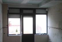 Remodelação de apartamento, Baixa da Banheira / Remodelação total de apartamento: canalização, esgotos, electricidade, rebocos, betonilhas, tectos falsos em pladur, revestimentos, pavimento flutuante, estuque e pinturas, porta blindada, escada em caracol...