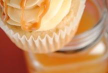 Cupcakes! Yum! / by Kim Lachell