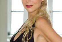 Esther Kuhn Schauspielerin and Andrew Brucker / Esther Kuhn Schauspielerin Actress Model, caught by Andrew Brucker in New York City