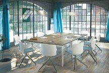 Tables de réunion / Trouvez une salle de réunion idéale. - Find your ideal meeting room.