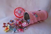 Reciclagem de Latas / Veja mais ideias no Facebook  e no Blog do Fika a Dika