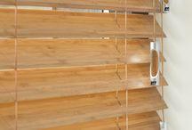 Houten jaloezieën / Met behulp van houten jaloezieën creëert u een luxe, warme en toch ook strakke uitstraling van uw interieur.