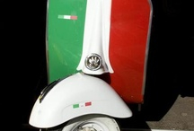 VESPA/ COLOR OF THE ITALIAN FLAG