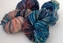 Dyes speckled yarn tut