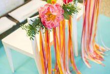 Déco de chaises exotique / Exotic decoration for wedding chairs