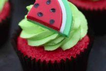 Cute cakes / Mmmm, ik houd heel veel van taarten en cakes, en als ik dit zie krijg ik al helemaal honger!!