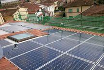 Impianto Civile Mercatale Val di Pesa / impianti solare fotovoltaico e solare termico integrati architettonicamente a servizio di villetta residenziale. coprono il 100% del fabbisogno elettrico e di acqua calda sanitaria dell'abitazione oltre a fornire integrazione sul riscaldamento