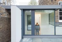 Project: Peekaboo House / A glass boxed roof and aluminium casement door to a new nanny flat in London