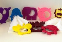 Animal hous / A placeholder, a piece of irony, an object than can customize every seat. The collection aims to brighten up the table, associating an animal for every family member. The entire collection of napkin rings is made using 3D printing technology. The material is ABS and you can choose your favorite color from a wide range.