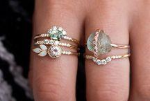 Ringar smycken