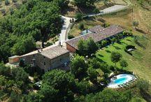 ⊰ Umbria Rentals ⊱ / Purple Villas in Umbria countryside