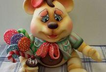 Biscuit...Bichinhos... / by Viviane Santos