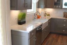 Kitchens / by Karen Stone