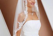 Brude accessories / Se den nye kollektion af brude tilbehør til brud og kjole.