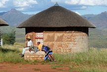 Reiseideen für Lesotho / Lesotho, das Dach des südlichen Afrika ist als Wander- und Reiterparadies bekannt und bietet eine der malerischsten und wildesten Bergregionen im südlichen Afrika