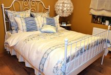 Ideas for the House / Beautiful oil paintings and linens to make our houses Wow!