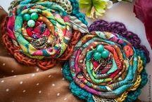 вязано текстильная брошь