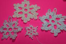 GREAT video tutorial!!! ~Jen #Crochet snowflake (Cope de nieve) subtitulos en Espanol