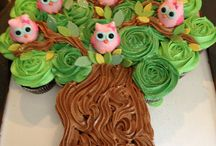 Owls in tree / Cake