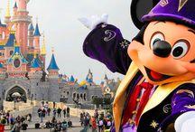 Parques temáticos / Viajes a parques temáticos. Desde Disneyland Paris y su hermano mayor Disney World de Orlando; pasando por el parque Warner de Madrid; Terra Mítica o el renovado Port Aventura World, con su última atracciones de Ferrari Land.