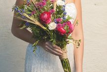 Fall Wedding Inspiration / Gorgeous late summer and fall wildflower bouquets are perfect for the boho bride! Make your own wildflower bouquets, boutonnieres and centerpieces with a DIY flower kit from itsbyu.com. They're gorgeous, they save you $$, and they're so easy to do - no experience required!