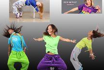 Zumba tøj online  / Hos 2skin Danmark kan købes unikke zumba tøj til kvinder