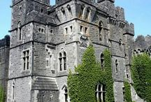 Castles on the West Coast of Ireland / Castles on the West Coast of Ireland, follow the Atlantic and you won't be disappointed.