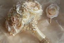 VINTAGE STYLE WEDDING BOUQUET / Vintage Themed Bouquet, Gatsby Themed Bouquet, Brooch Bouquet, Broach Bouquet, Jeweled Bouquet, fancy Bouquet, Handmade Bouquet, Rustic Bouquet, Wedding Bouquet, Weddings, Bridal Bouquets