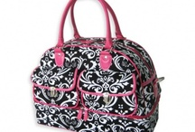travel luggage totes / by Crystal Hudson