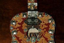 guitars-and-honkytonk / by Gerry Hinnant