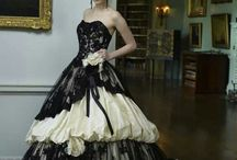 Gothic Gowns / The most beautiful dresses in the world