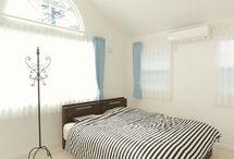 寝室 / かわいい家photoに掲載された寝室の写真