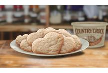 Holiday Cookie Classics / Rediscover classic holiday cookies - butter cookies, Snickerdoodle cookies, and more!