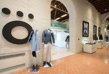Benvenuti da Rione Fontana Treviso / Nei nostri store noi non vendiamo solo abiti, ma concetti di bellezza: a noi piace allestire lo spazio con creatività e gusto, ci piace accoppiare i colori, proporre abbinamenti che vadano a incuriosire il cliente.