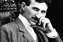 Nikola Tesla / Nikola Tesla (Sırpça: Никола Тесла; 10 Temmuz 1856, Smiljan – 7 Ocak 1943, New York), Sırp asıllı Amerikalı mucit, fizikçi ve elektrofizik uzmanıdır. Aslında dünyadaki bilim ve teknoloji yapısını tam anlamıyla 'kökünden' değiştirebilecek birçok 'kullanılan ve kullanılmayan' deneye/buluşa da imza atmasına rağmen, ders kitaplarında adı nadiren geçer. Özellikle 'elektriğin kablosuz taşınabilmesi' gibi bir buluşu ve bunu kanıtlaması onun ne kadar benzersiz bir mucit olduğunu açıklar.