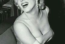 Marilyn's Mystique / Movie Star Looks