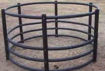 Round feeders